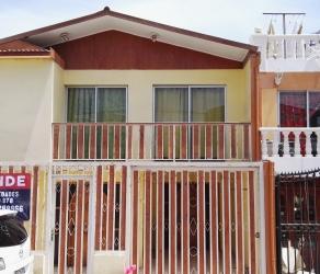 Hermosa Casa de dos pisos, cuatro dormitorios. Sector Aromos