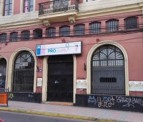 Estupenda Construcción Comercial en el Centro de Iquique, Oficinas. Bodega 320 m2