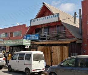Comercial, dos pisos más Altillo, Centro Alto Hospicio